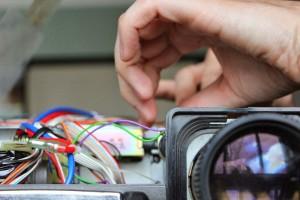 Cara Memperbaiki Proyektor Gangguan Display Pada LCD Menyerang