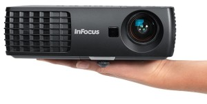 InFocus-IN1110A-hand